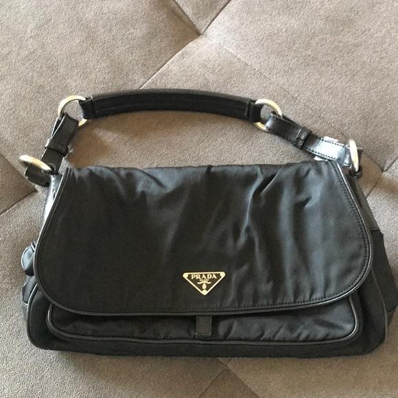 488b3128d70f Vintage Prada nylon shoulder bag. M 5b9972549539f707ec2859bc